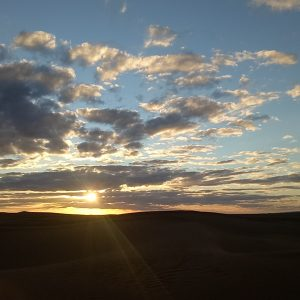 méditation du soir désert